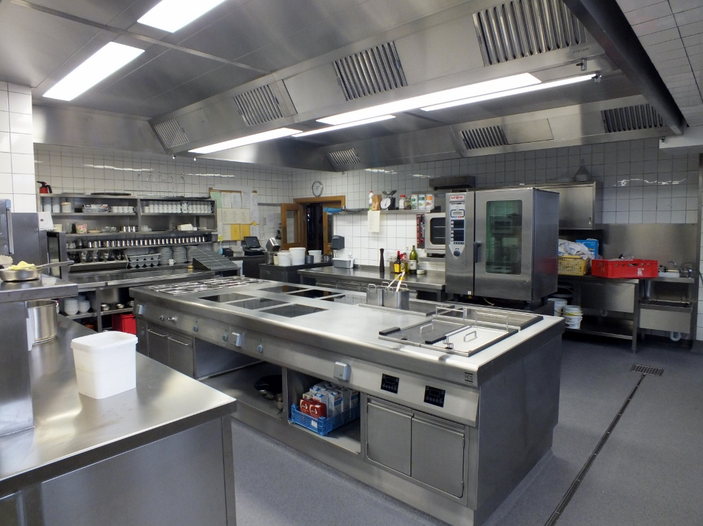 Küchenumbau Hotel Brunnenhof 2